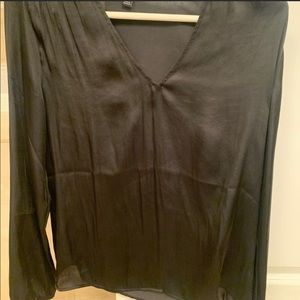 Banana Republic black silk long sleeved blouse XS
